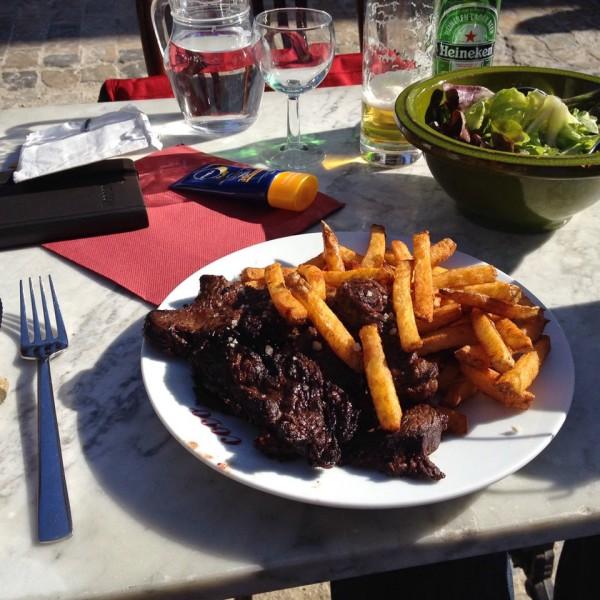 Mittagessen in Aigues-Mortes, L'Entrecôte Toro