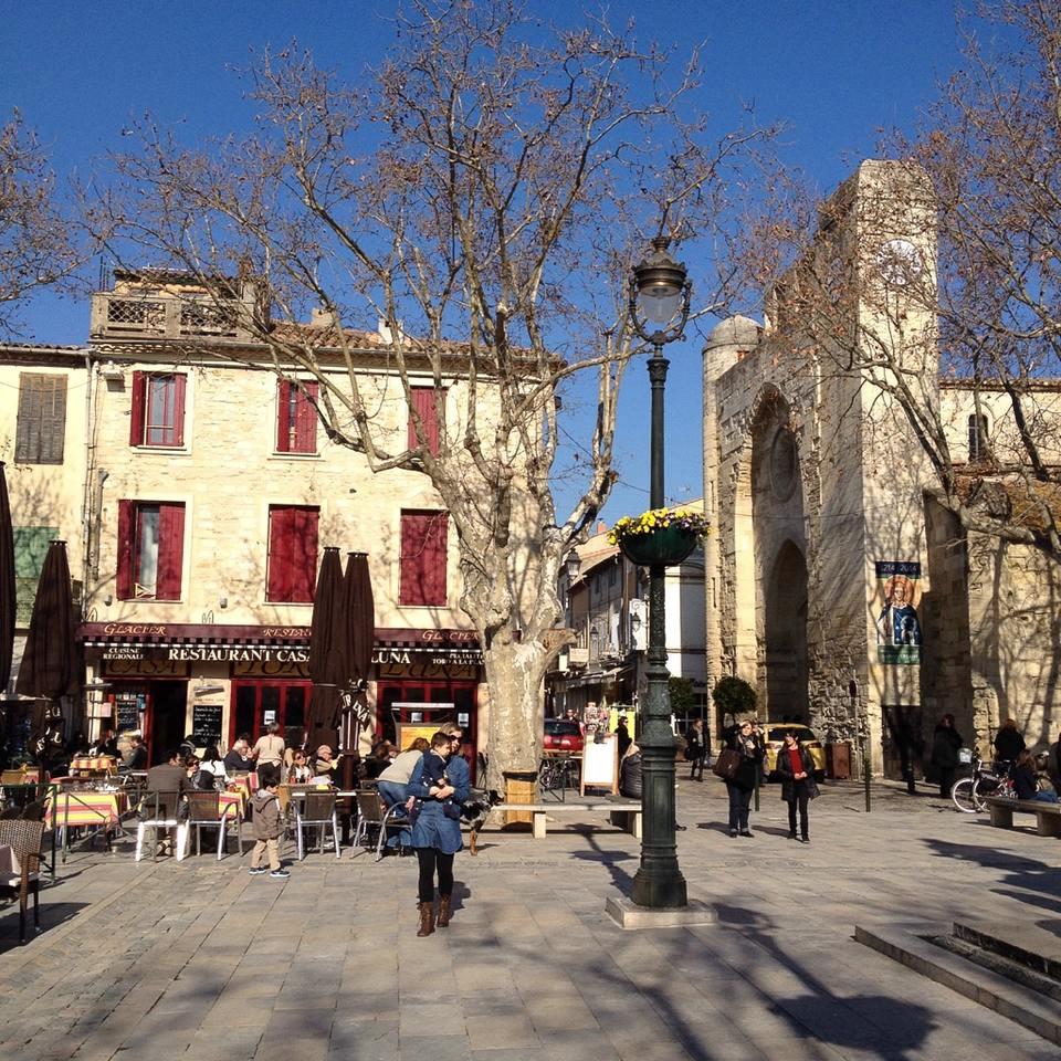 Im Stadtzentrum von Aigues-Mortes