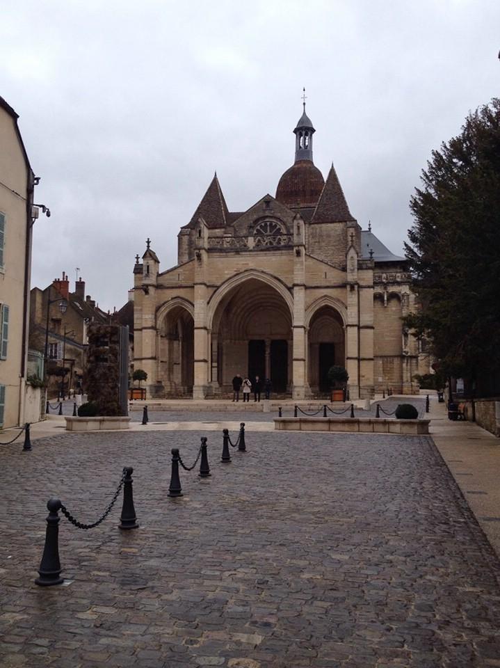 Die Basilika Notre-Dame de Beaune