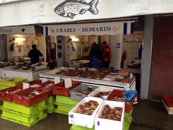 Fischverkauf am Hafen von Boulogne-sur-Mer