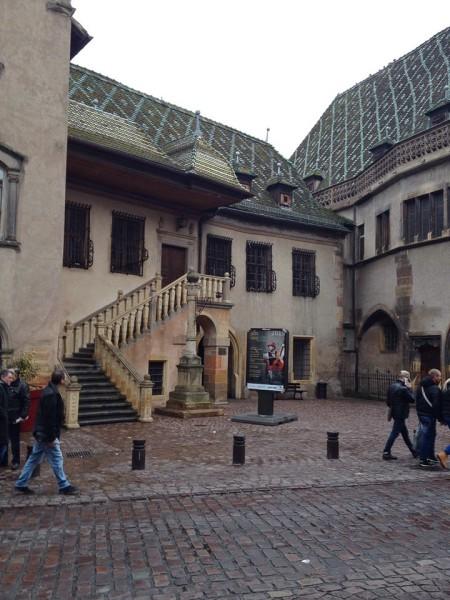 Das 1480 errichtete Koïfhus, elsässisch für Kaufhaus, in der Altstadt von Colmar