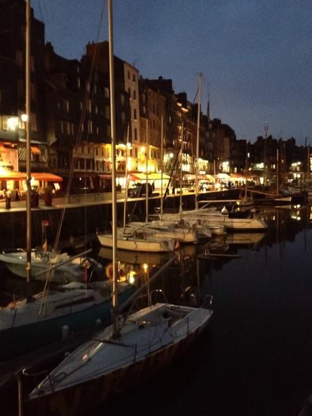 Hafen von Honfleur an Abend