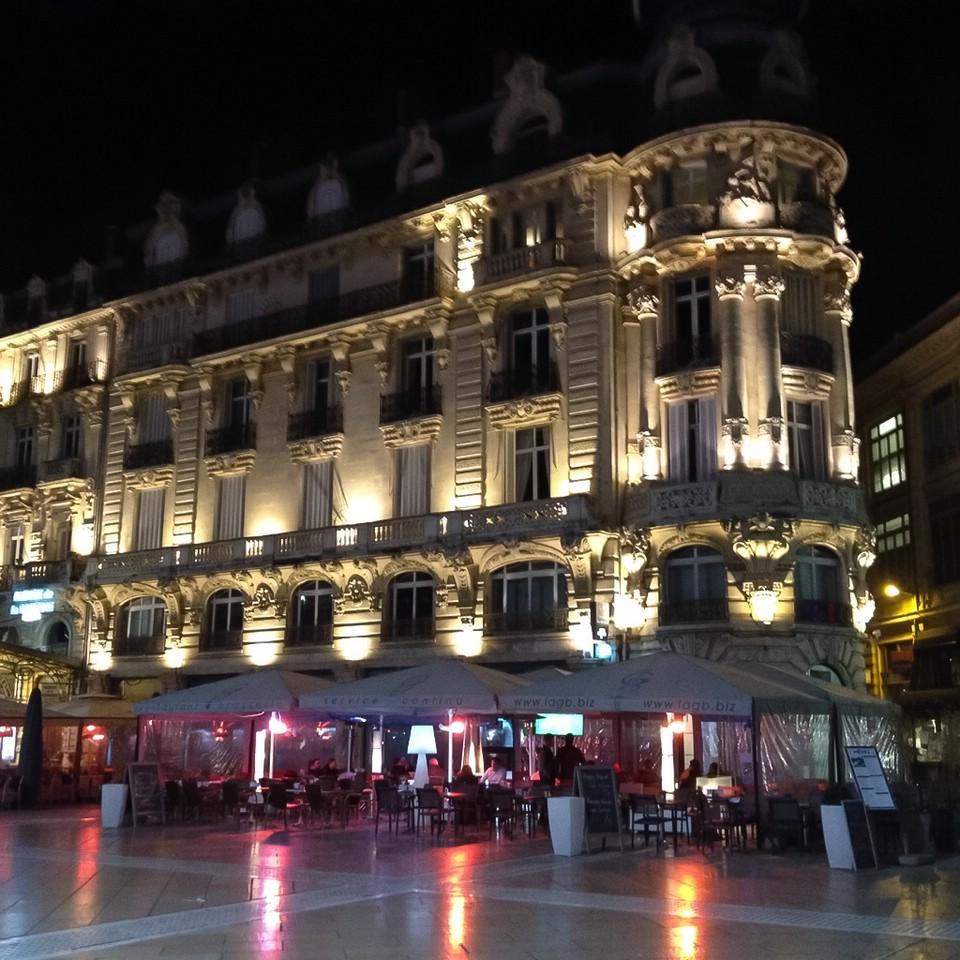 Montpellier am Abend, Haus am Place de La Comédie