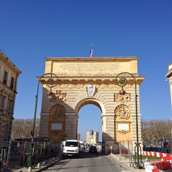 Der Triumphbogen Porte du Peyrou in Montpellier