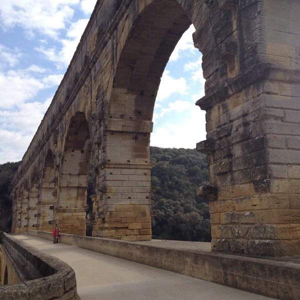 Weg über das Aquädukt Pont du Gard