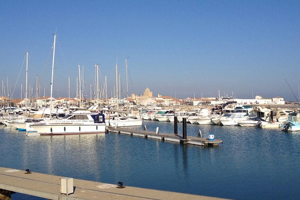 Der Hafen von Saintes-Maries-de-la-Mer