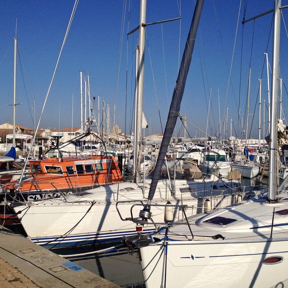 Boote im Hafen von Saintes-Maries-de-la-Mer
