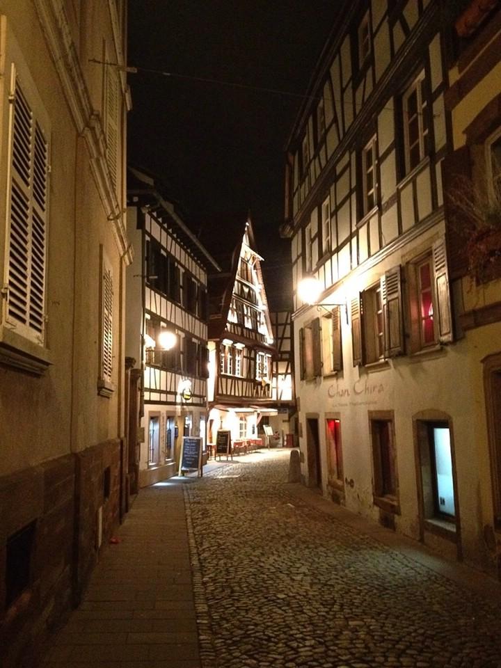 Abends in den Gassen von Straßburg