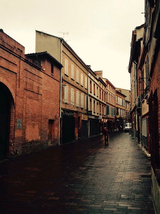Gasse in der Altstadt von Toulouse