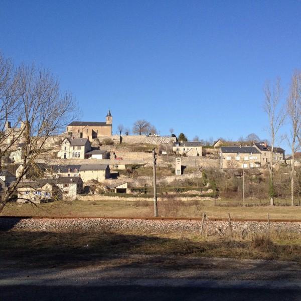 Dorf an der N88