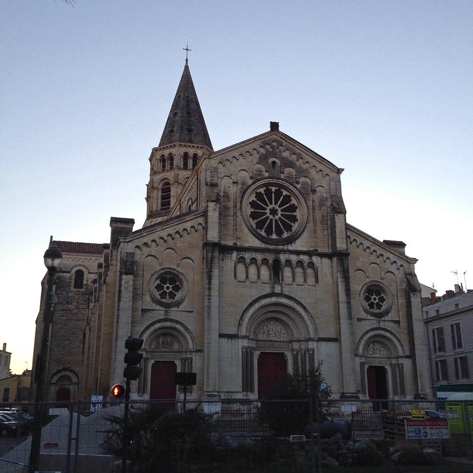 Die Kirche Saint-Paul im Westen der Altstadt von Nîmes