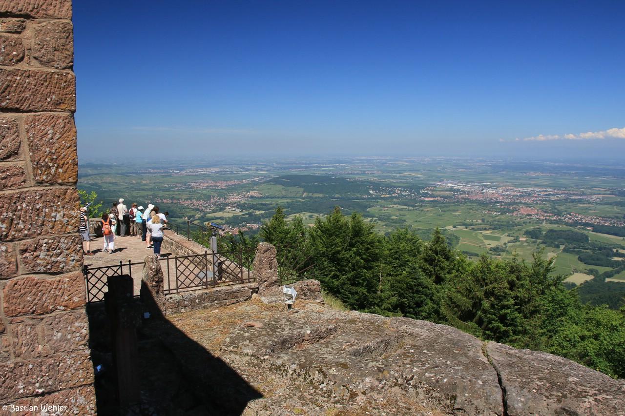 Ausblick von der Panoramaterrasse des Klosters auf dem Mont Sainte-Odile